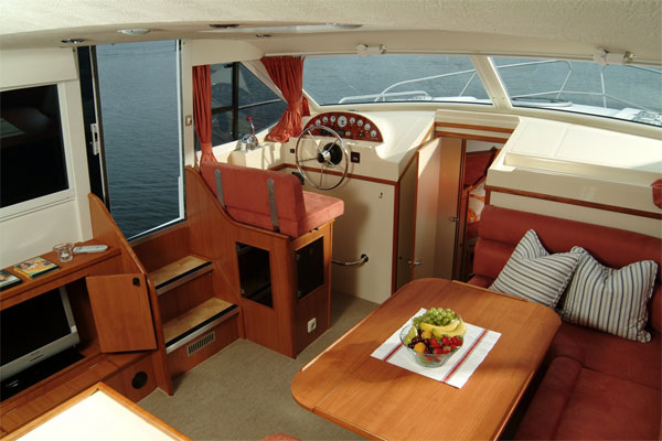 Helm and living area on the Longford Class hire boat.