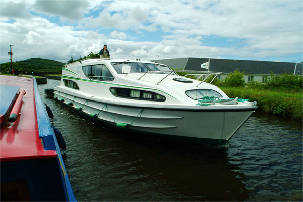 The Magnifique Shannon River Hire Boat