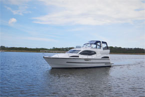 The Noble Duchess 4+2 berth cruiser for hire.