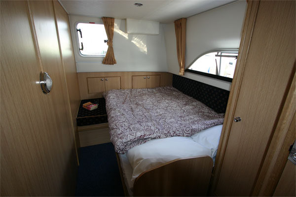 Aft cabin on the Roscommon Class hire cruiser Ireland
