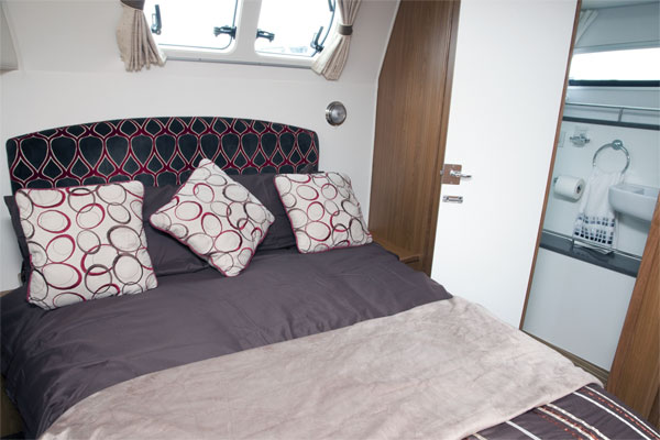 Aft Cabin on the Silver Ocean Hire Boat