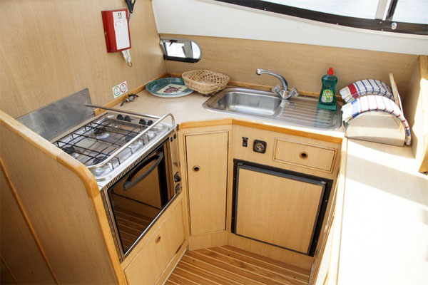 Galley on the Silver River Hire Boat