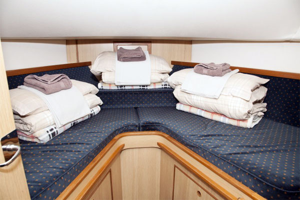 Cabin on the Silver Swan Hire Cruiser