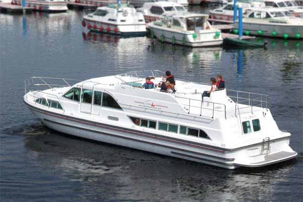 Shannon River Boats for Hire in Ireland - Silver Breeze