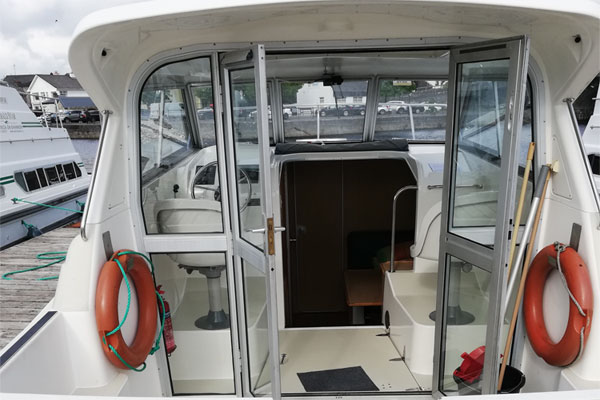 Rear deck on the Town Star hire boat.