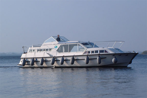 Shannon River Boats for Hire in Ireland - Wave Queen