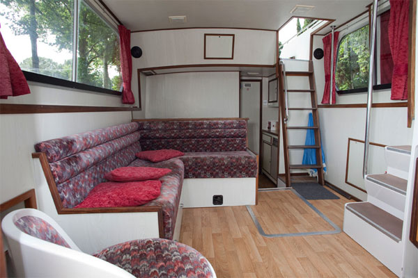 Saloon on The Corvette Cruiser for rent in Ireland