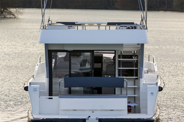 Rear of the Horizon Hire Boat