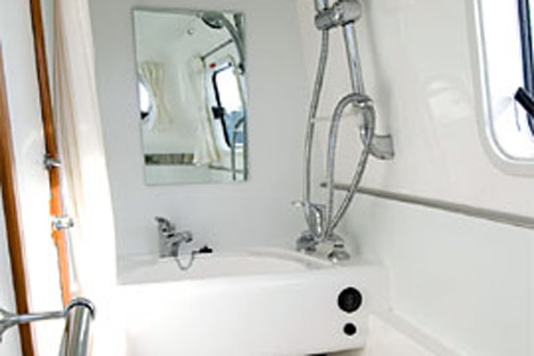 Bathroom/Shower on the Inver Princess Hire Cruiser in Ireland.