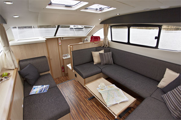 Saloon on the Inver Queen hire boat.
