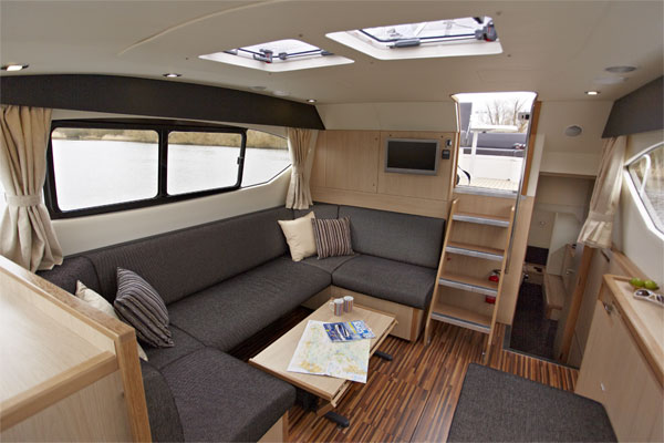 Saloon on the Inver Queen Hire Cruiser
