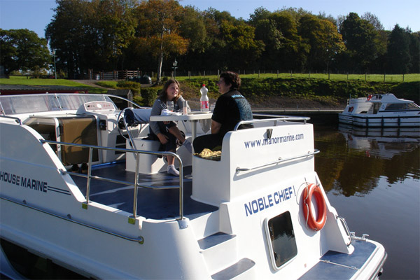 Flybridge on the Noble Chief Hire Cruiser