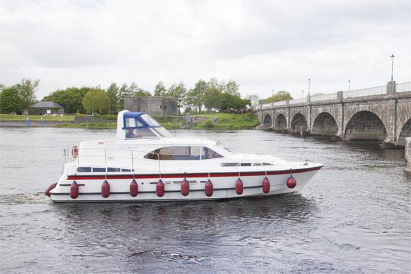 The Silver Swan 6+2 berth cruiser - available from Banagher on the Shannon River.