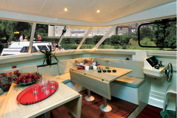 Saloon on the Vision 3 Hire Cruiser