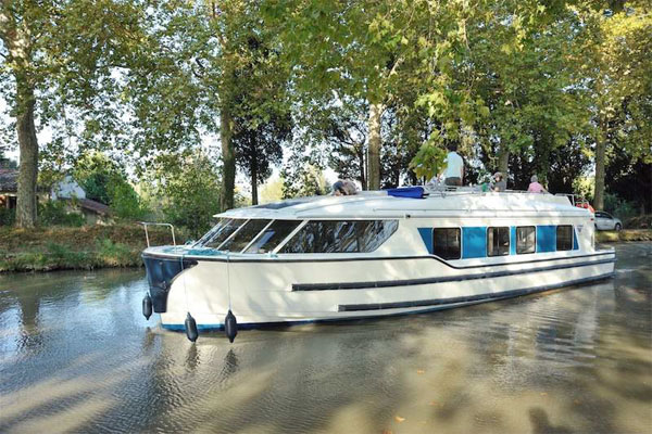 The Vision 4 8+1 berth cruiser, Shannon River Cruising Holidays Ireland
