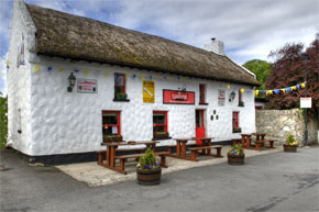 This traditional family run Bar & Restaurant is situated in Garrykennedy on the south shore of Lough Derg. With breathtaking views, Larkins offers high standards of service with a personal touch.