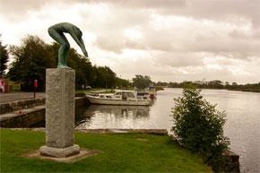 Statue at Drumsna Harbour