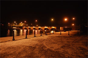 Lanesborough bridge at night